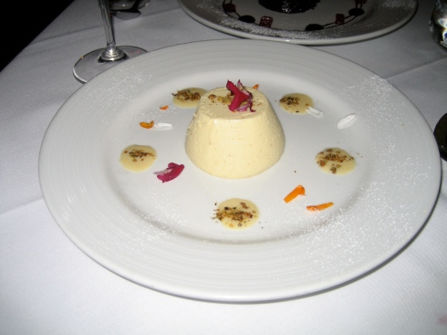 Pannacotta with pistatio was very rich, and tasted like an egg more than vanilla.
