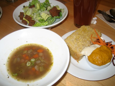 """Susumu ordered ginger soup and salad with corn bread"""""""